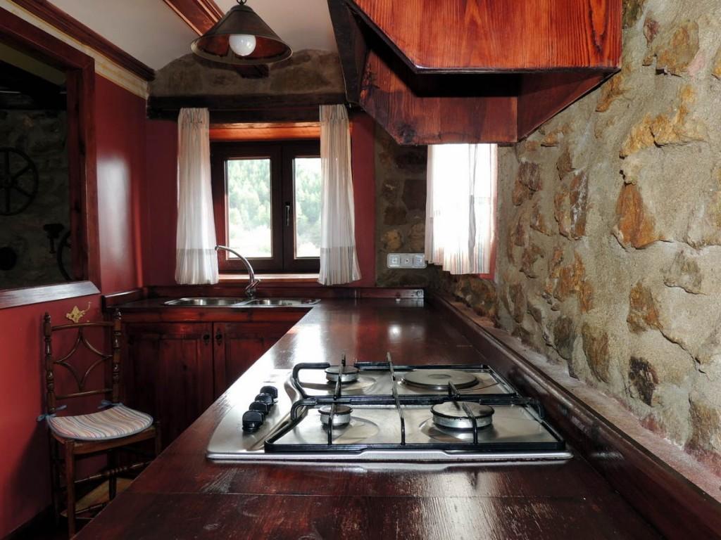 Cocina Casa Rural en Linares de Mora, Teruel