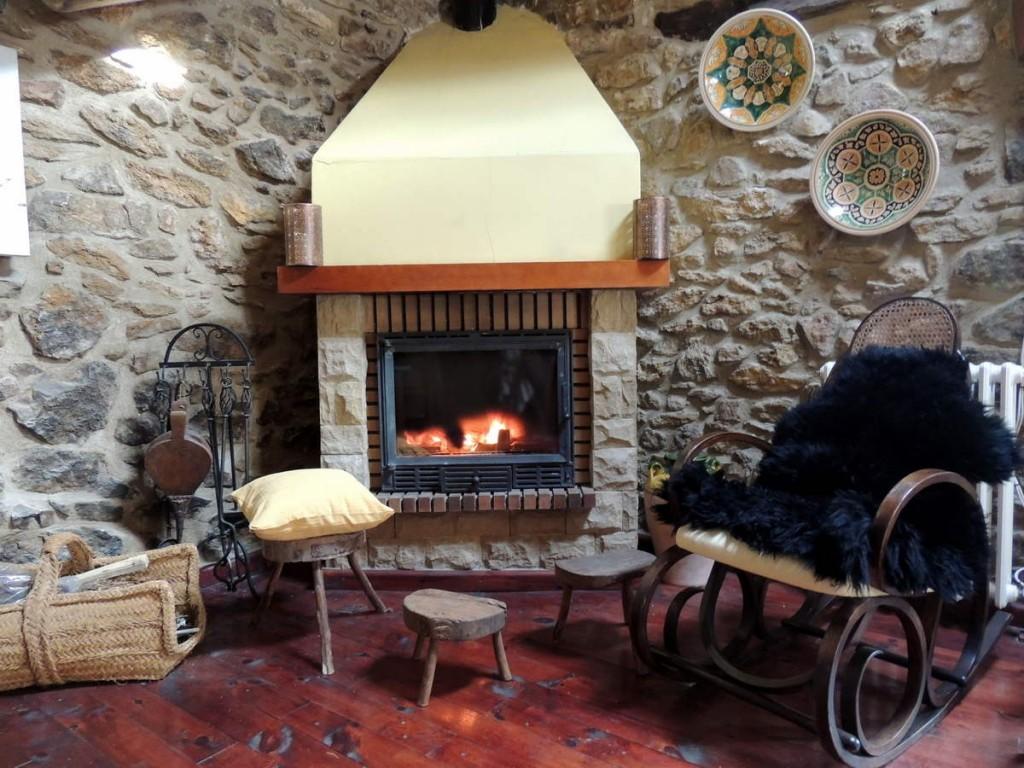 Chimenea Casa Rural Palacio en Linares de Mora