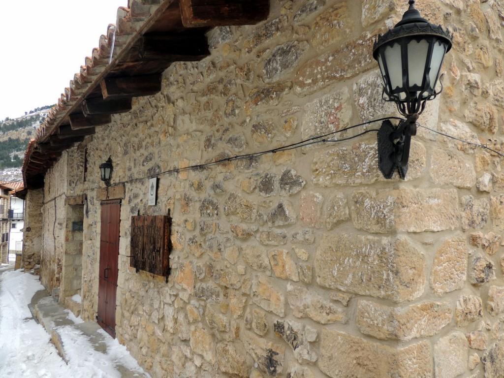 Calles nevadas de Linares de Mora