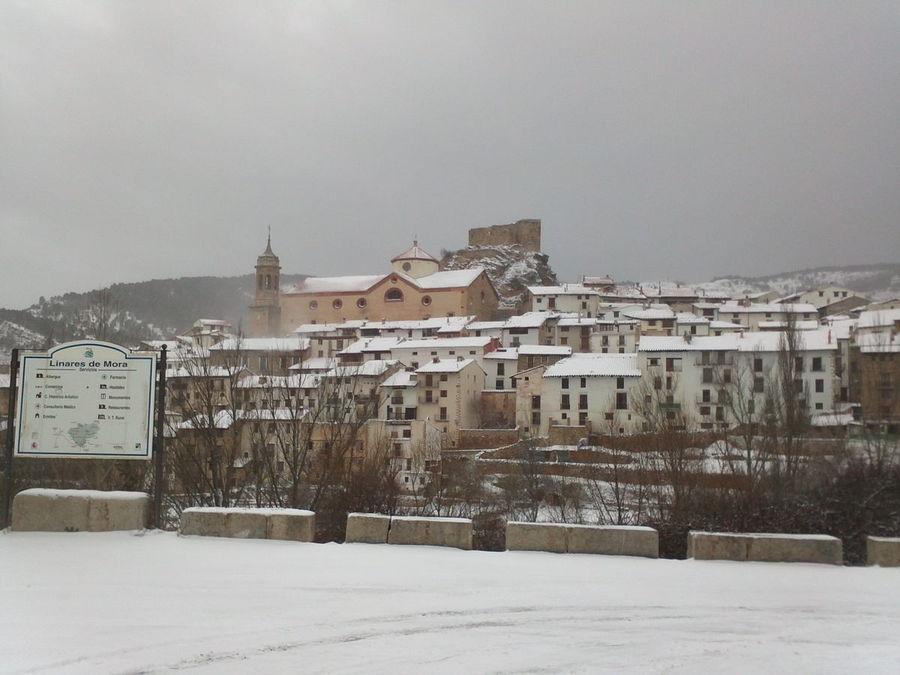 Linares de Mora nevado
