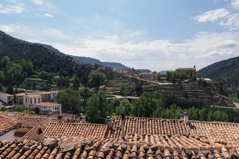 Vistas de Santa Ana de Linares de Mora desde Casa Rural Palacio