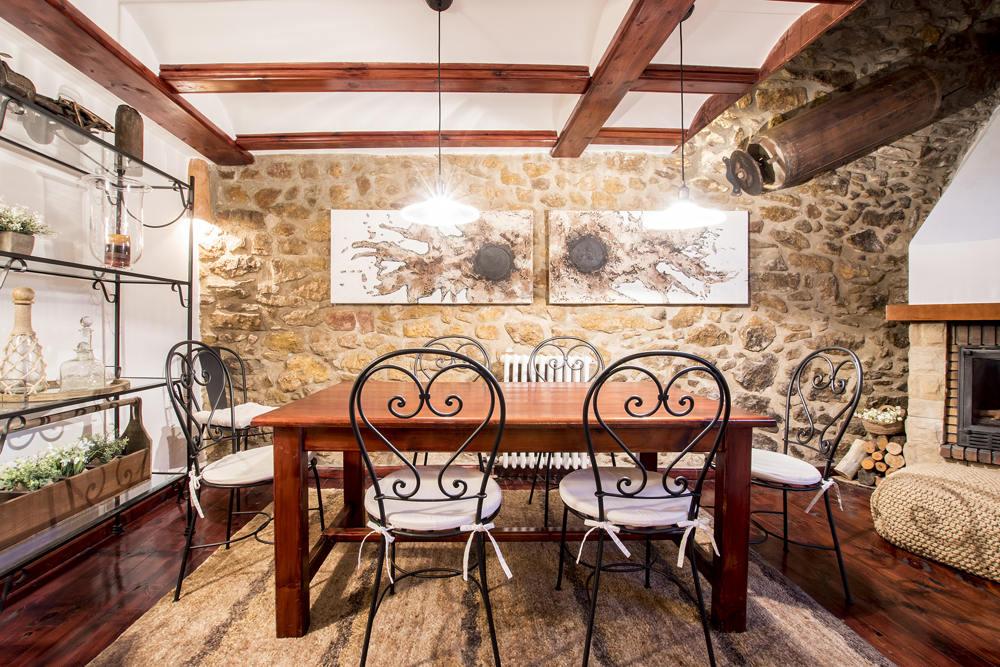 Salón Comedor Casa Rural Palacio en Linares de Mora (Teruel)